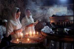 5 Zoroastrians prayers time 1